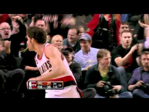 Rudy Fernandez two-handed dunk against Thunder