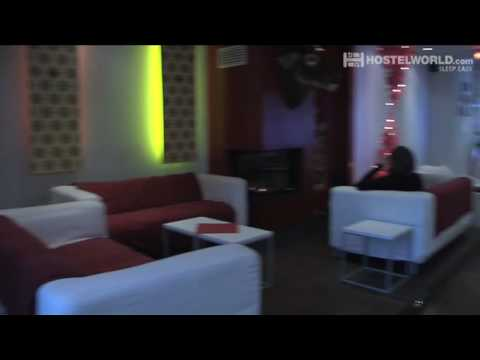 Vdeo de Baxpax Downtown Hostel/Hotel
