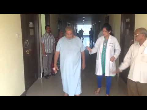 Patient Nageswarao from Amalapuram able to walk normally with in 4 days of knee replacement surgery using oxinium implant