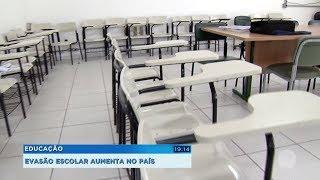 Educação: evasão escolar aumenta no país