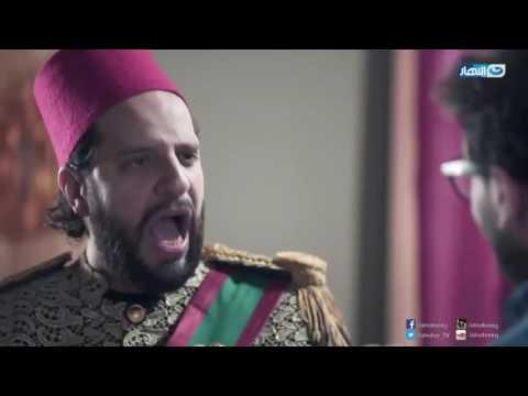 خال أحمد أمين يصفعه بلا شفقة