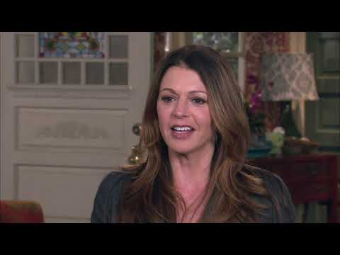 Hot In Cleveland: Behind The Hotness BONUS (S1E11)   US Show