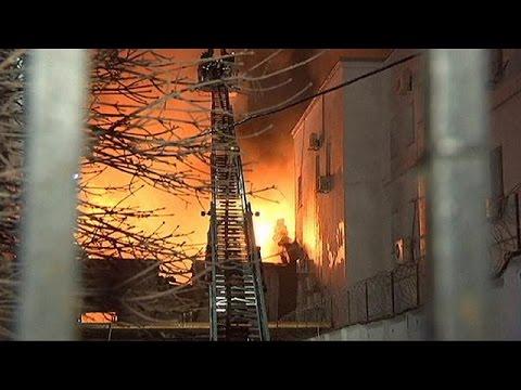 Μόσχα: Εργοστάσιο τυλίχθηκε στις φλόγες