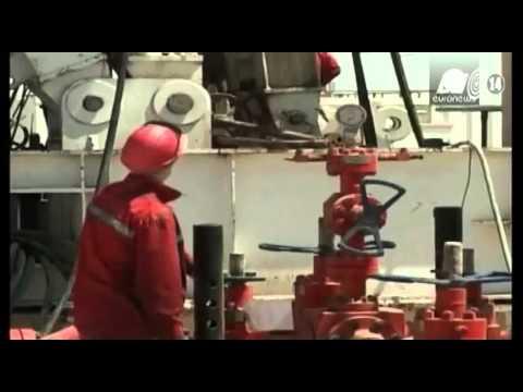 OPEC thả phanh cho giá dầu tuột dốc
