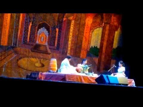Video Thani Avarthanam- Aadhi (circa 2012) download in MP3, 3GP, MP4, WEBM, AVI, FLV January 2017