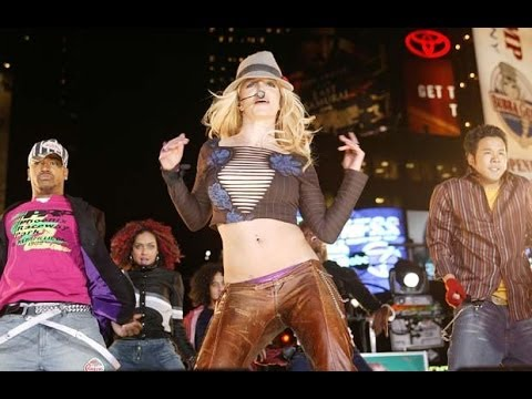 Britney Spears - (TRL) Performance 2003 - Live on Times Square [HD 1080p]