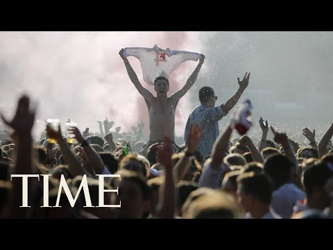 Fans Go Crazy In Hyde Park As England Scores 1-0 Against Croatia | TIME