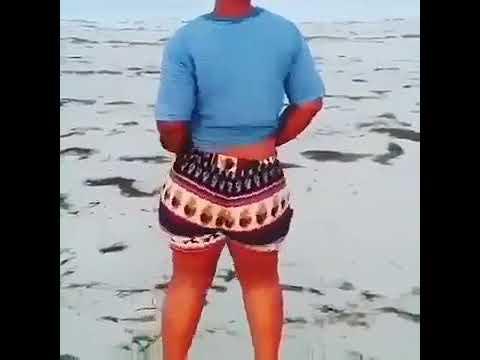 Bongo balaa angalia kiuno laini ndani ya beach