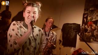 Video Touchwood - Teoretická - Pub Blik Um Diváky