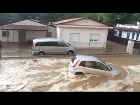 alluvione in calabria, fiume di fango travolge rossano e corigliano