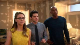 Video Barry explains multiverse to team Supergirl MP3, 3GP, MP4, WEBM, AVI, FLV Agustus 2018
