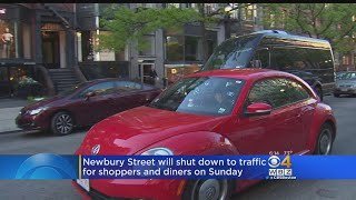 The annual event allows shoppers and diners to take over the Boston street.