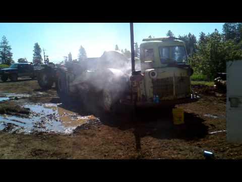 Watch a Detroit 471 blow up