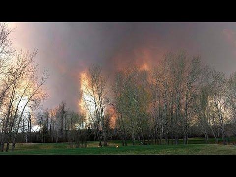Καναδάς: Μεγάλη πυρκαγιά κατακαίει δασώδεις εκτάσεις στην Αλμπέρτα