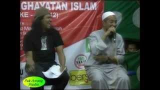 Ustaz Azhar Idrus 2012 Nyanyi Lagu XPDC full download video download mp3 download music download
