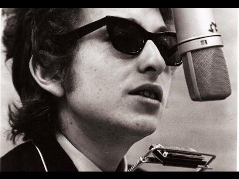 """En beretning om det politiske i musikken og teksterne.  """"Bob Dylans tekster var jo på en enkel måde det, som satte ord på de følelser vi havde om solidaritet med de undertrykte."""""""