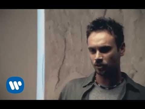 , title : 'Nek - Parliamo al singolare (Official Video)'