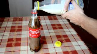 Omg, Look What Happens When Coke Mixed With Milk!