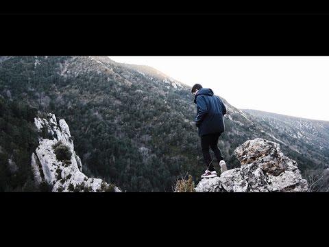 """LUIS KIERKEGAARD & ANA ESCARIO – """"NOCIONES BÁSICAS DE VUELO"""" [Videoclip]"""