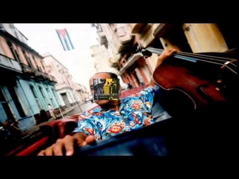Orlando ''Cachaito'' Lopez double bass   Cachaito