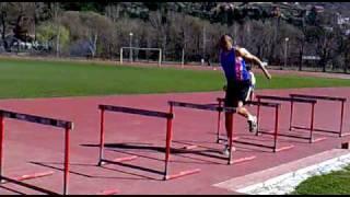 より強い軸をつくる、片足ハードルジャンプ