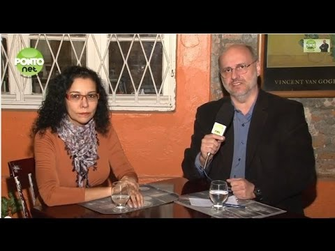 A farmacêutica Kathia Arneiro Martins é entrevistada por Ricardo Orlandini