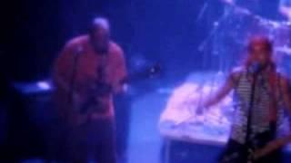 Video Malá bílá vrána - Lola běží s bajonetem (Live in Prag 2009)