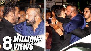 Video Sanjay Dutt HUGS Salman Khan To End FIGHT At Ambani's House Ganpati 2017 Celebrations MP3, 3GP, MP4, WEBM, AVI, FLV Juli 2018