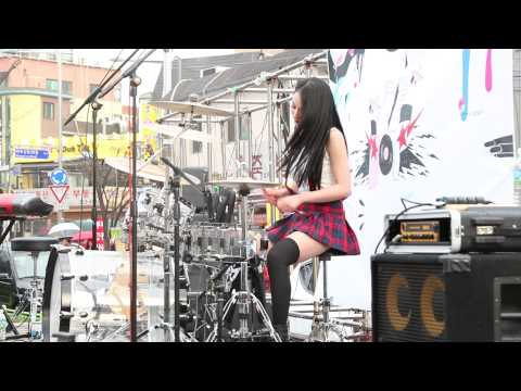 20140405 Bebop 비밥 홍대 버스킹 (08) I Love It + Video Killed The Radio Star 아연 (видео)