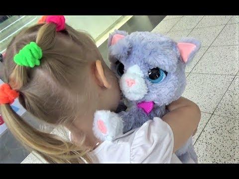 Алиса в ДЕТСКОМ МИРЕ !!! Много игрушек для детей ! A Lot of toys for kids Entertainment for children (видео)