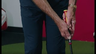 Video How To Grip a Putter With David Leadbetter MP3, 3GP, MP4, WEBM, AVI, FLV Mei 2018