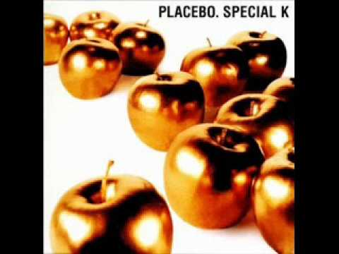 Tekst piosenki Placebo - Little Mo po polsku