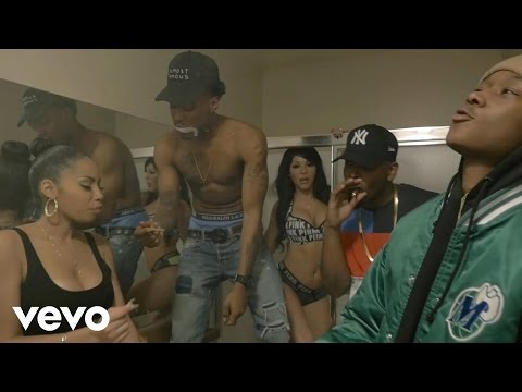 Rayven Justice ft. Surfa Solo - Roll Somethin' (Explicit)