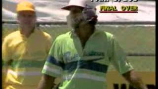 1988 Imran Khan hits a huge six, vs Australia