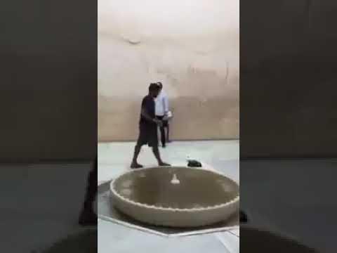 العرب اليوم - شاهد: لحظة رفع سائح أميركي للأذان في قصر الحمراء في إسبانيا