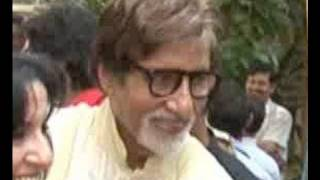 Big B celebrates B'day with media