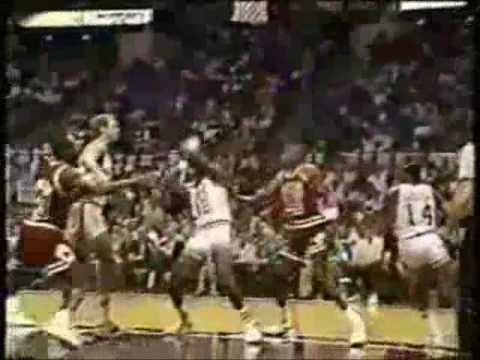 0 Michael Jordan Blocks Ron Mercer