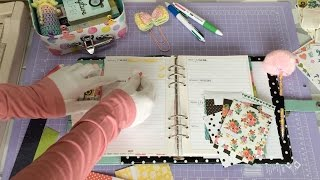 .Planner From: http://www.scrap-n-crop.com/categories/Carpe-Diem-A-5-Planners/2289.