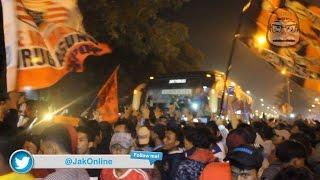 Video JOVLOG 09 Penyambutan Tim Persija Setelah Bertanding Dari Bandung MP3, 3GP, MP4, WEBM, AVI, FLV April 2018