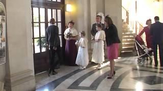 Rebecca and Paul's wedding arrivals