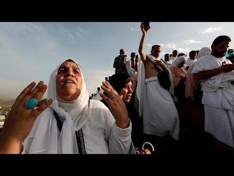 Χατζ: Στο Όρος Αραφάτ εκατοντάδες χιλιάδες προσκυνητές…