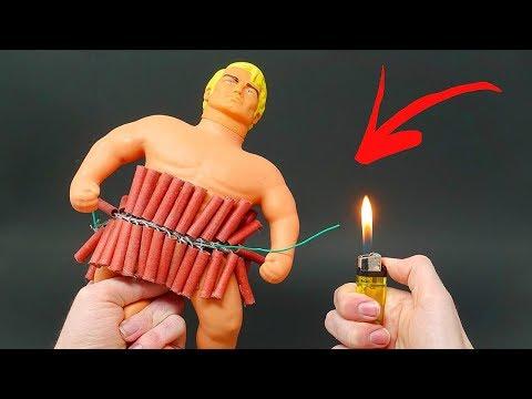 FIRECRACKERS vs STRETCH ARMSTRONG - Thời lượng: 11 phút.