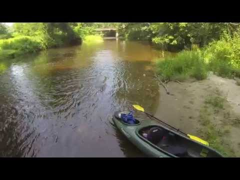 Video Tiny Boat Small River Impulse 9 Electric R C Boat