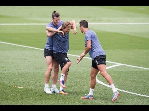 Funny Moments in Training ●  Messi, Neymar, C.Ronaldo, D.Alves, Isco