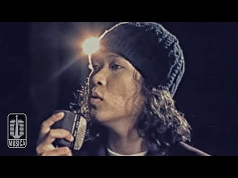 Download Lagu Letto - SANDARAN HATI (Official Video) Music Video