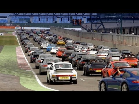 Porsche 911 at the Silverstone Classics 2013: A new World Record