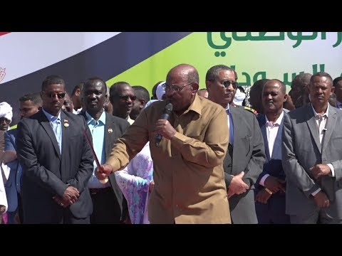 في احتجاجات السودان.. هذا ماقاله البشير بشأن تنحيه