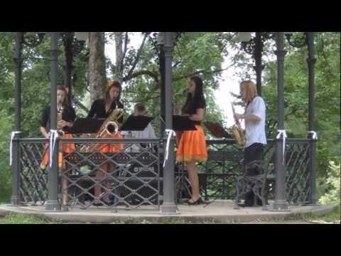 Latvia: Cesis Pils Parks & Maija Parks