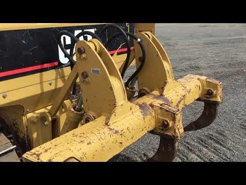 CATERPILLAR TRACTOREN OP RUPSBANDEN D4GXL equipment video NnIUMkd8erU