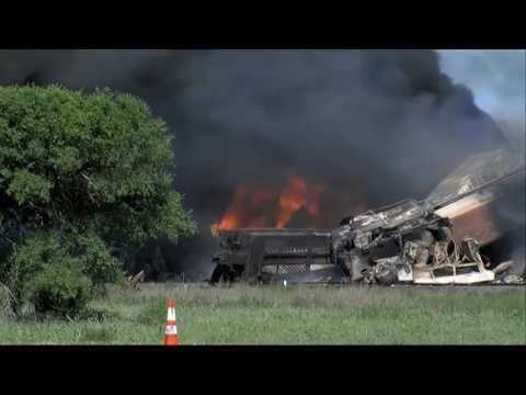 텍사스에서 화물열차끼리 충돌 폭발 6.28.16 KBS America News